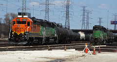 Awaiting Their Duties (Epic Larry) Tags: bn bnsf hodgkins
