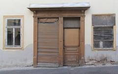(:Linda:) Tags: germany town blind decay jalousie thuringia shade browndoor windowshade eisfeld abandonedshop braunetr louvredblind