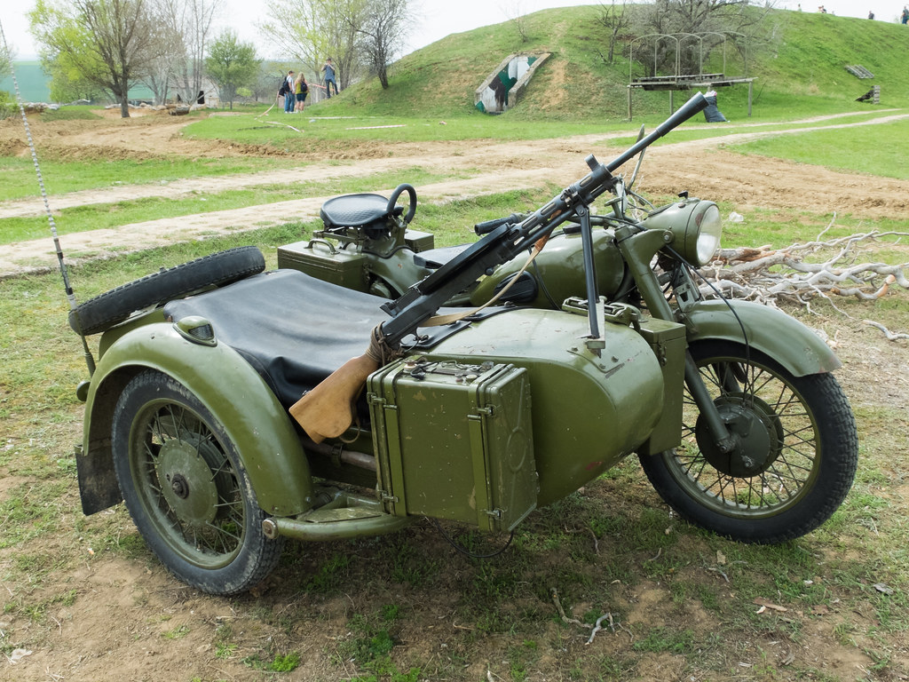 Double Sidecar Bike | Autos Post