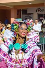 Mil_Polleras_2013-59 (Sahara Samudio) Tags: woman dress traditions folklore desfile panama luxury centralamerica lujo tradición lossantos típico lastablas traditionalcostumes pollerapanameña tembleques fiestadelapollera polleradelujo milpolleras