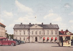 Old postcard Vimmerby Sweden 60s (annkarlstedt) Tags: volvo photo 60s foto sweden postcard swedish scanned kiosk sverige 1960s torg torget pv 60 sixties nostalgi tal svensk 1960 vykort vimmerby korvkiosk stadshotell stadshotellet brevkort gatubild