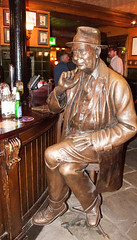 Lowry (uplandswolf) Tags: lowry lslowry samschophouse manchester statue bar