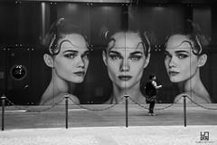 OSSERVAZIONE (Lace1952) Tags: milano coppola murale manifestomurale passante persona sguardo occhi modella capelli nikond7100 nikkor18300vr