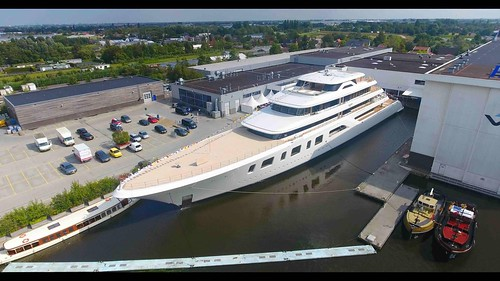 Feadship Aquarius