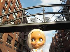 Achtung! Brücke!  Danger! Bridge!