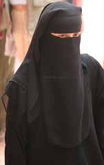 black niqab (niqabi_travel) Tags: niqab veil muslim lady women islam