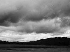Voyage au bout de l'le #6 (franleru1) Tags: abstract blur ciel ecosse landscape nature nuage paysage route scotland uk voiture blackandwhite car clouds flouwindow monochrome noiretblanc parebrise road