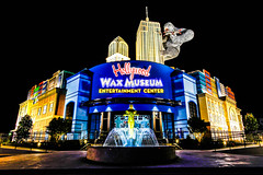 Wax Museum - Myrtle Beach, SC USA (scfotoguy) Tags: wax museum king kong