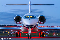 Gulfstream 650 in Twilight (dkuttel) Tags: longexposure canon portland flying twilight rollsroyce pdx g6 gulfstream fbo savannahgeorgia privatejet gulfstreamaerospace kpdx portlandinternationalairport 70200f28lis corporatejet g650 canon7d