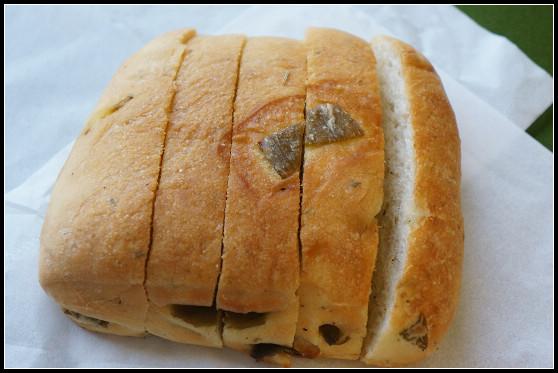 【台中 西區】夫子麵包屋。首推剝皮辣椒佛卡夏 @ ▌Meiko 愛敗家。甜點。旅行~▌ :: 痞客邦