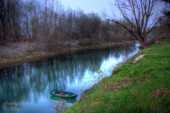 La barchetta (Gianni Armano) Tags: italy colors reflections river 1 la boat photo italia foto fiume piemonte april aprile colori riflessi gianni alessandria barchetta tanaro 2013 armano bassignana