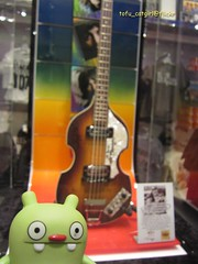 All four Beatles Signatures! (tofu_catgirl) Tags: show vacation usa holiday love shop america toy lasvegas nevada vinyl mirage thestrip merchandise cds cirquedusoliel fab4 casinos thebeatles uglydolls jeero davidhorvath sunminkim img6012 blindbox signedguitar