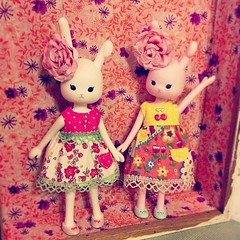 Happy spring! (QueenPantoufle) Tags: summer wanda spring ode handmade nikk dollclothes petworks dollsclothes wonderfrog wandafrog iphoneography tafettaday instagramapp uploaded:by=instagram middieblythe usaggi ussagie