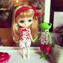 friendship (QueenPantoufle) Tags: cute wanda handmade kawaii blythe etsy takara middie rompers dollsclothes wonderfrog tafettaday middieblythe