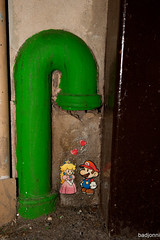Mario Love (badjonni) Tags: streetart green love princess mario supermario