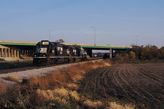 NS 6667 at Normal, IL OCT12 (CentralILRailfan) Tags: railroad yard train evening mixed october good ns norfolk railway trains il southern decatur late normal rejected freight 6667 sd60 d32 rejections railpicturesnet railpictures