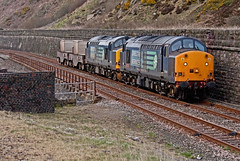 Wall Of Sound (Richie B.) Tags: english electric flask nuclear rail class cumbria british 37 services direct parton fna drs 37608 37601 6m22