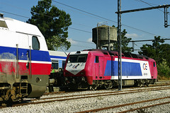 Greek OSE electric loco 120 022 and Adtranz diesel loco 220 023 at Stavros on 26 April 2013 (A Scotson) Tags: diesel trains greece stavros railways ose adtranz class220 greekrailways