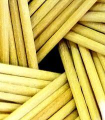 Palillos de Dientes Toothpick (Raul Jaso) Tags: triangles mexico triangle mexicocity df toothpick toothpicks ciudaddemexico mexicodf geometria geometricas triangulo triangulos mondadientes geometricfigures figurasgeometricas mondadiente palillodedientes palillosdedientes