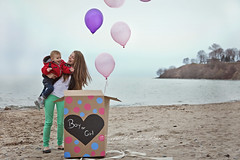 Dez - Gender reveal (Captured by Candice St. Jean) Tags: family boy baby lake girl canon balloons sand or overcast pregnant maternity l f4 gender reveal 6d 24105