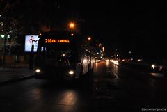 Re-Encontrar(se) (jovendelacalle) Tags: chile santiago bus buses night noche nikon nikkor alameda transporte santiagodechile scl transantiago transportepúblico articulado santiagocentro nikondslr nikonchile nikkorvr morandé alamedalibertadorbernardoohiggins preemergencia busarticulado scel subuschile hanshermosilla nikond3000 subuschilesa