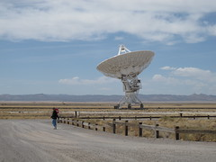 Heading on the self-guided tour (netmouse) Tags: vla radiotelescope verylargearray