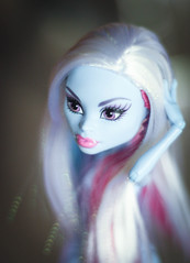 IMG_0680 (Petra Key) Tags: abbey monster high bominable