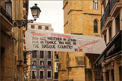 Tourist Remember... (Mabacam) Tags: 2016 basquecountry donostia sansebastián street streetscene banner socialcommentary political independence