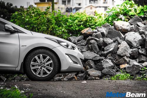 Hyundai-Elantra-Facelift-Long-Term-09