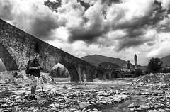 Bobbio (Fede Z.) Tags: blackandwhite biancoenero bw ponte bridge bobbio hdr cielo nuvole sky clouds landscape paesaggio river fiume trebbia