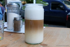 Good Morning /  Guten Morgen - Wachmacher (Sockenhummel) Tags: milchkaffee kaffee cafe glas coffee restaurant wilmersdorf berlin fuji x30 fujifilm finepix fujix30 lattemachiato herrfurthplatz