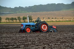 (Zak355) Tags: butevintageclub ploughing ploughingmatch kingarth bute rothesay isleofbute scotland scottish tractors farming farm vintagetractors