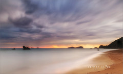 Amanecer tormentoso (carmenvillar100) Tags: amanecer tormenta esfigueral nubes nickfilter down sun rise salidadelsol ibiza eivissa santjoandelabritja