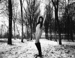 #polaroid #nude #bn #fp3000 (valentinamazzini) Tags: polaroid nude bn fp3000