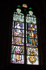King and queen in stained glass (quinet) Tags: 2014 basilicaoftheholyblood basiliquedusaintsang belgium bruges glasmalerei heiligbloedbasiliek stainedglass vitrail antwerp flanders