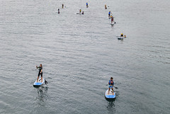 Paddle surf (Oscar F. Hevia) Tags: paddlesurf surf remo tabla agua mar azul deportistas clases enseanza deporte rowing table water sea blue athletes lessons teaching sport 2016 elgayo asturias asturies espaa gozn lluanco luanco principadodeasturias spain verano summer