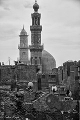 Aqmar Roof View February 22, 2013 1/100 sec at f/7.1 Canon EOS 5D Mark III (taharaja) Tags: egypt cairo hussein husain anwar misr fatemi juyushi lulua attiq aqmar fatimidcity moizlidinillahstreet mosqueofhakim