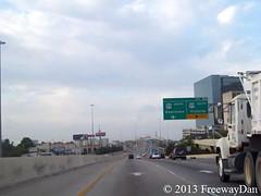 "Southbound I-610 approaching U.S. 59 & IH 69 (Southwest Freeway) (FreewayDan) Tags: texas loop freeway galleria southbound ""west county"" area"" ""houston ""taken ""harris ""interstate freeway"" ""bellaire"" 610"" ""uptown"" 033013"""