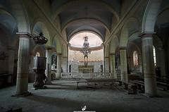Eglise de G (Lempreinte-Photo-Drone) Tags: urban church religious nikon photographie christ cross decay religion pray jesus forgotten église empreinte patrimoine urbex oublié priere glacis d7000