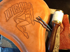 Leather Craft - Solo seat, in progress.. (Marius Mellebye / 276ccm) Tags: chopper motorcycle custom pinup maul handcraft leatherwork kustom bobber leathercraft soloseat motorcycleseat barrykingtools craftool