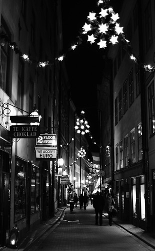 Yuletide Streetlights