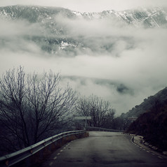 Barreras (laororo) Tags: fog niebla pirineos valldecards