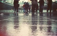 In Continuo Movimento (Ai in Technicolor) Tags: road city bridge people london speed floor time run ponte persone milleniumbridge runner londra strade tempo ways citta velocità ritardo pavimento correre impegni frenesia