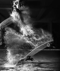 Explosion (A-lain W-allior A-rtworks) Tags: street france sport flash skate longboard skateboard flour rue farine shortboard extrem stobism