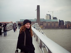 Photo (Daniel Pietzsch) Tags: uk bridge england london thames modern lumix nicole photos tate g millenium tatemodern milleniumbridge dmcgf1 lumixg20f17 20f17
