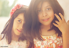 ربا & درة (Amira ALothaim . .) Tags: girls light portrait color cute beautiful smile canon fun happy photography kid model flickr day child picture saleh بنت درة اميره العثيم ربا instagram