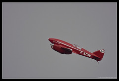 de HAVILLAND DH.88 COMET. 2 (adriangeephotography) Tags: sport photography flying fighter display aircraft aviation military transport jet saturday sigma hampshire airshow civil planes ww2 adrian gee bomber propeller farnborough d300 2016 150600 adriangeephotography