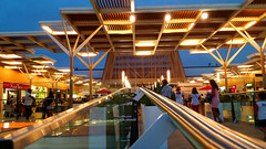 AQUA (Yako36) Tags: portugal algarve portimo mall centrocomercial night noite samsunggalaxys5