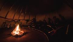 Dans le tipi (Frdric T. Leblanc) Tags: camping bike biketrip mauricie auberge du trappeur de merde fire camp tipi canon t3i fisheye