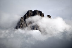 cotton mountain (pianlux) Tags: mauntain cotton dolomiti vetta nuvole montagna bianco nubi cima top gardena